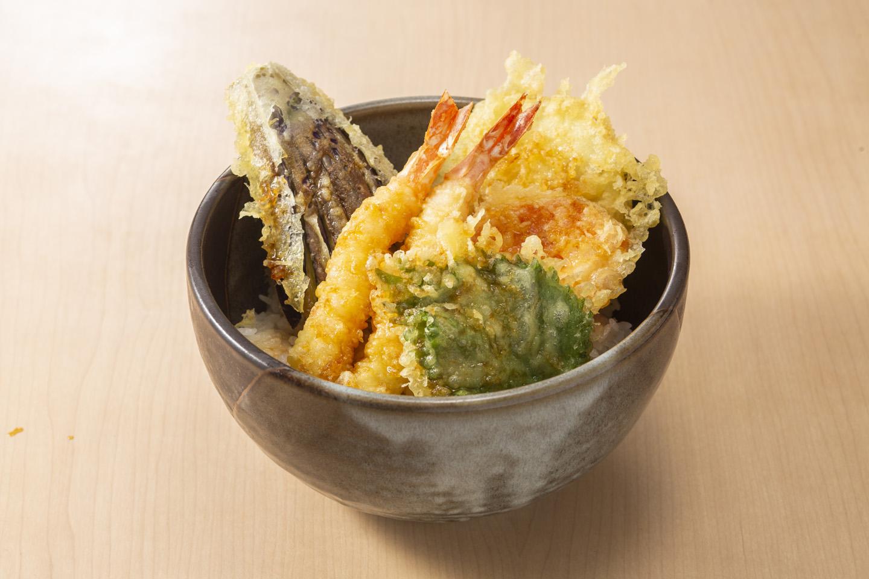 海老と野菜の天丼<br />味噌汁・香の物・ドリンク付