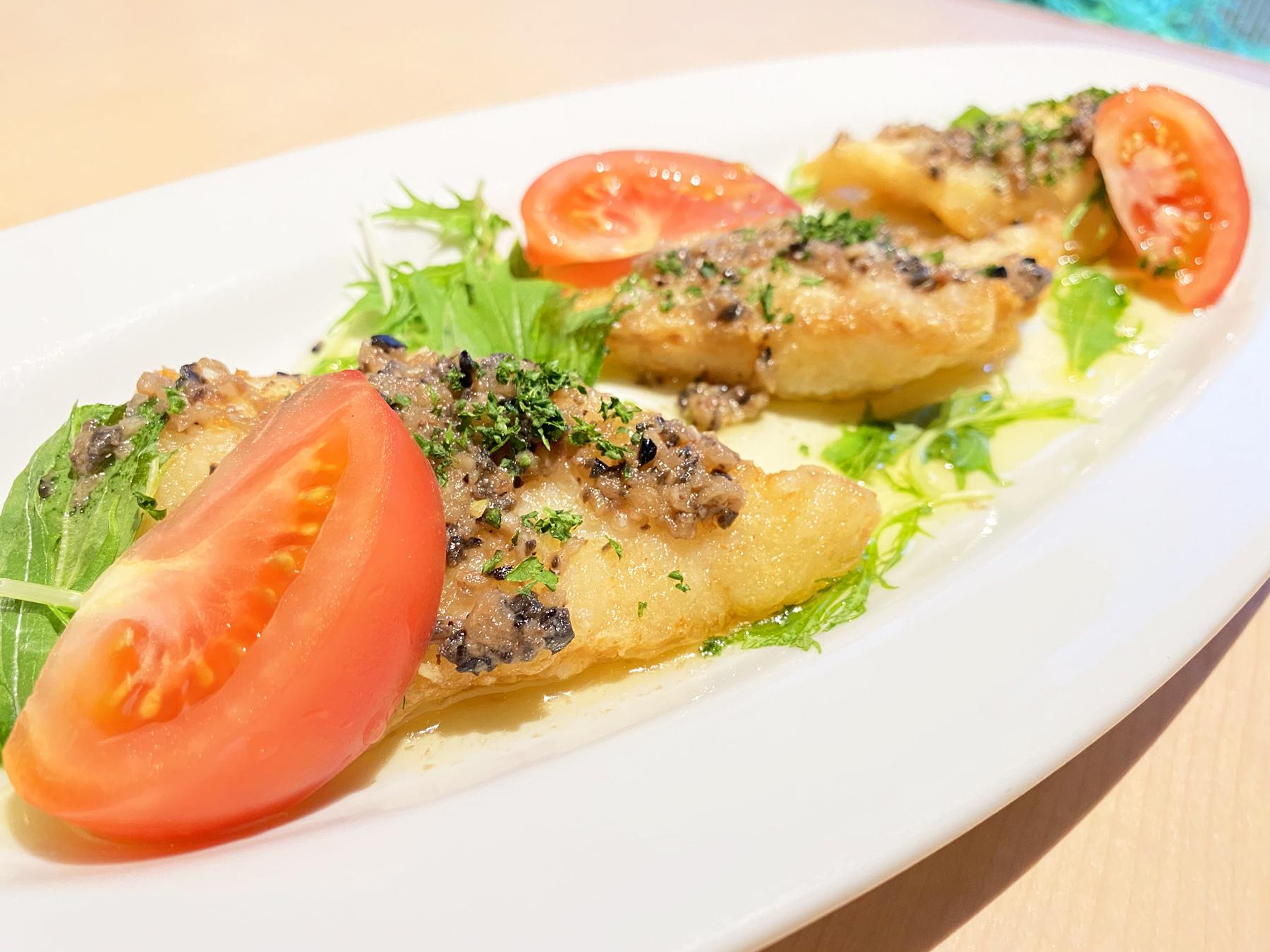 白身魚のアンチョビバターソース
